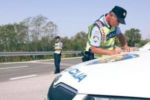 AKCIJA: Više od pola vozača nije bilo vezano ili je koristilo mobitel