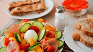 Ovo je hrana koja će vas spasiti nakon blagdanskog prejedanja
