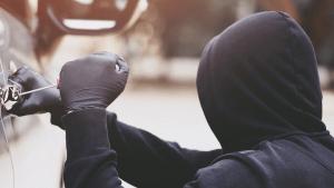 UMAG: Policija intenzivno traga za dvojicom razbojnika