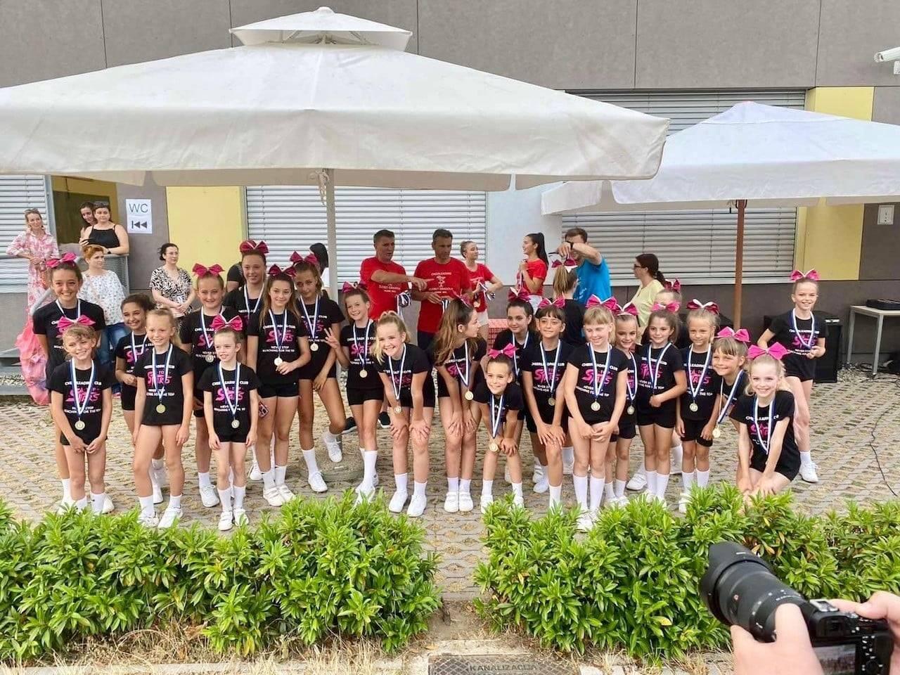 BRAVO! Cheerleadersice iz Umaga pomele konkurenciju!